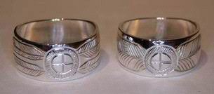 Engraved Medicine Wheel Rings - MDe3 - Engraved Medicine Wheel with 4 or 2 feathers on a wide band - 3/8""