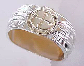 Appliqued Medicine Wheel Rings - MDrap6a, with gold appliqued disc and 4 feathers on silver - wide band - 9- 10 mm