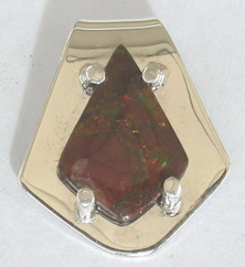 Gem Stoned Pendants - PenSt3b gold and amolite