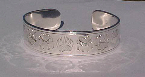 "Silver Bracelets - BS4 1/2"" Bearclaw wolfpaw and cougar paw in silver 1/2"""
