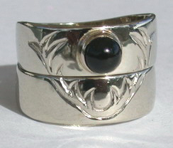 RSt9a - Elk Horns and 5mm Onyx in silver