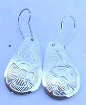Tear Drop Earrings - ERn20 - teardrop earrings with Flowers