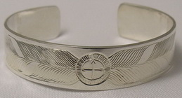 Medicine Wheel Bracelets - MdBS3 - Medicine Wheel, with 2 large feathers