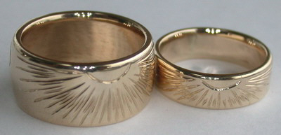 Engraved Medicine Wheel Rings - MDe7 - Wide band 10mm and thin band 7mm engraved wheel and Sun burs