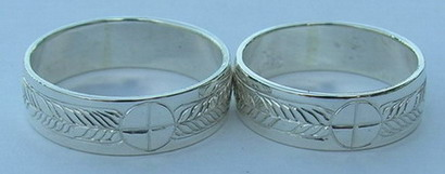 Engraved Medicine Wheel Rings - MDe9 k, 7mm thin band with single feathers