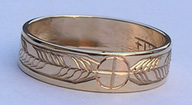 "Engraved Medicine Wheel Rings - MDe6a -1/4"" wide medicine wheel single feathers in gold -6mm"