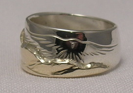 Animal-Gems Mountain Rings- MnRAn23- with Bearclaw and Hawk landing - gold on silver