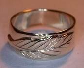 Non-Native Appliqued Rings - NNrAp5 - Oak leaf appliqued on gold