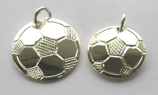 "Sports - SP10 - 1/2"" Soccerball pendant"