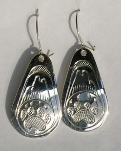 Tear Drop Earrings - ERn14 -Teardrop Howling Wolf and wolfpaw