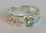 Gold Paws Face Stones Rings - RStpf23 - 4mm Topaz in Medicine Wheel and wolfpaws
