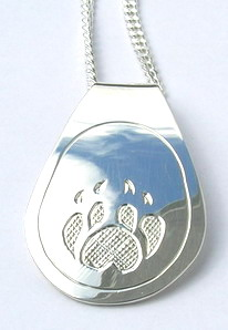 Silver Pendants - Pen27b, Wolf paw teardrop without cross-hatching