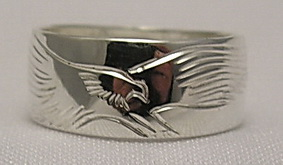Silver bird feather rings - RbfS5 - Engraved full landing Eagle