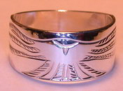 Silver bird feather rings - RbfS14 - Hawk landing
